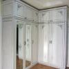 Классический шкаф из натурального дерева